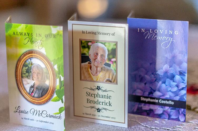 3 designs of memorial card